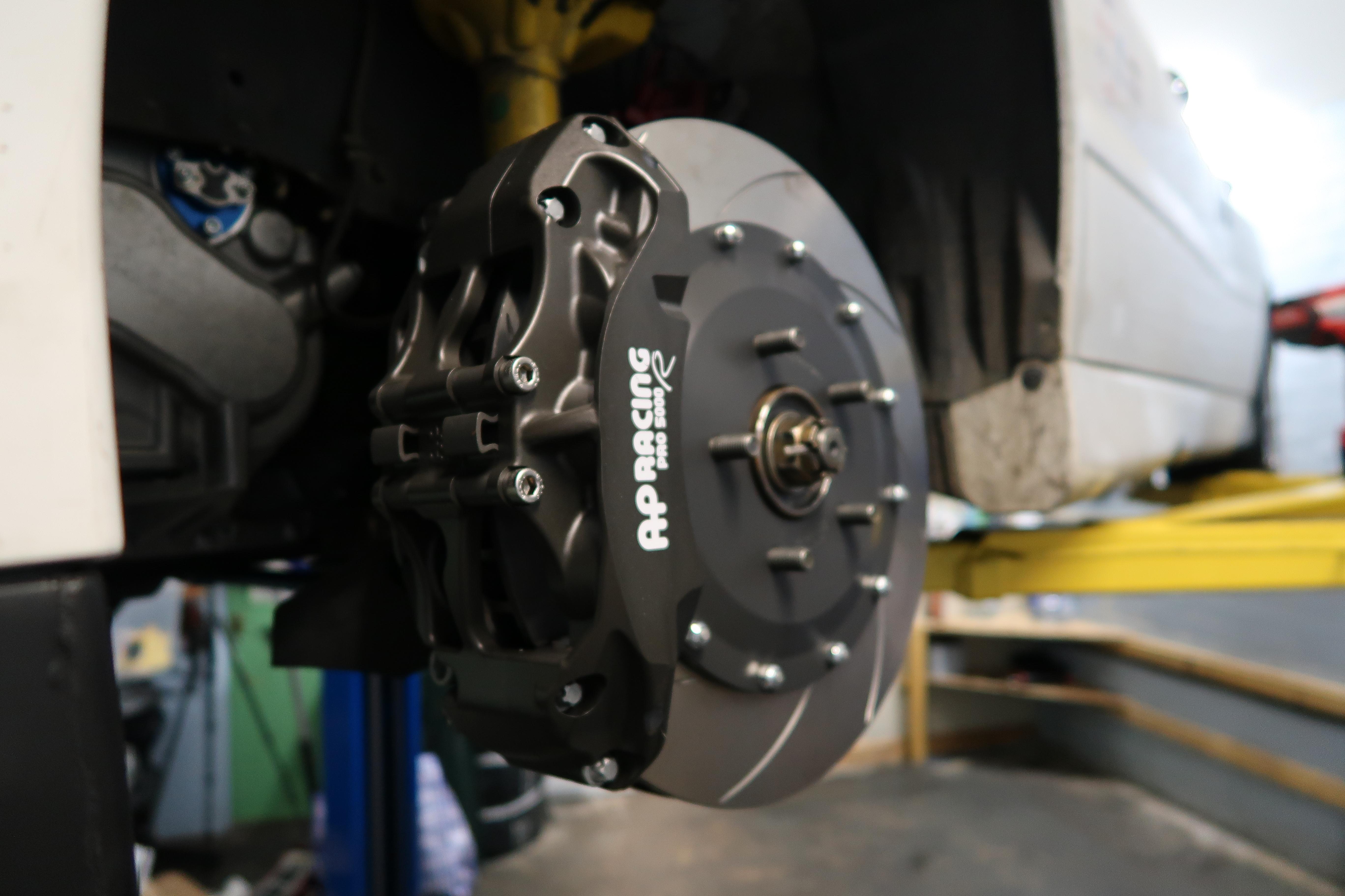 Evo 4,5,6,7,8,9,10 AP Racing Front Brake Kit (Grooved)