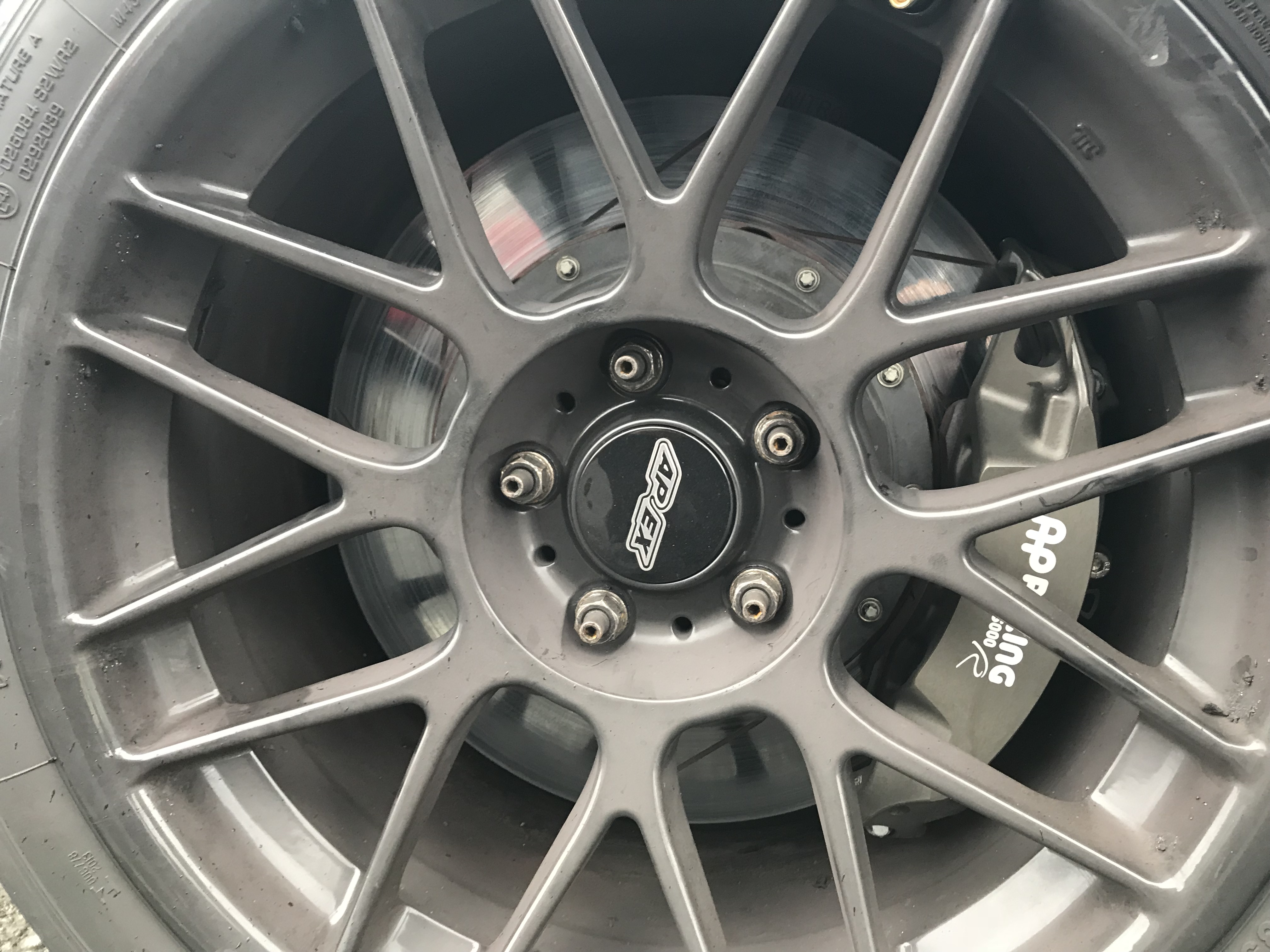 BMW M3 E92 AP Racing Front Brake Kit (Grooved)